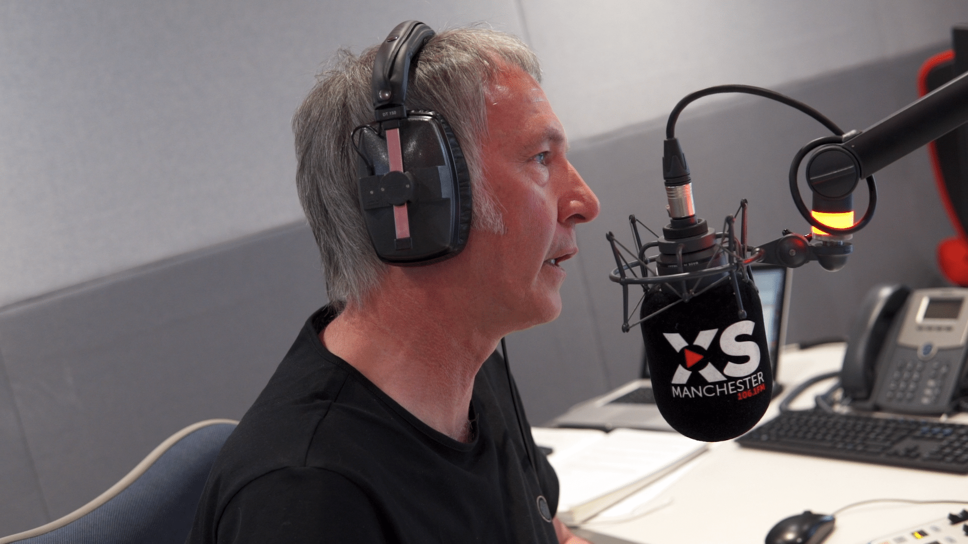 Clint Boon and microphone 2